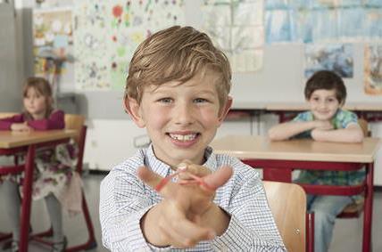 Schule und Kindergarten = rechtsfreier Raum ???